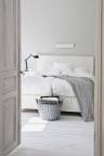 dormitor-alb-scandinav-rustic