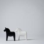 set figurine cai alb negru