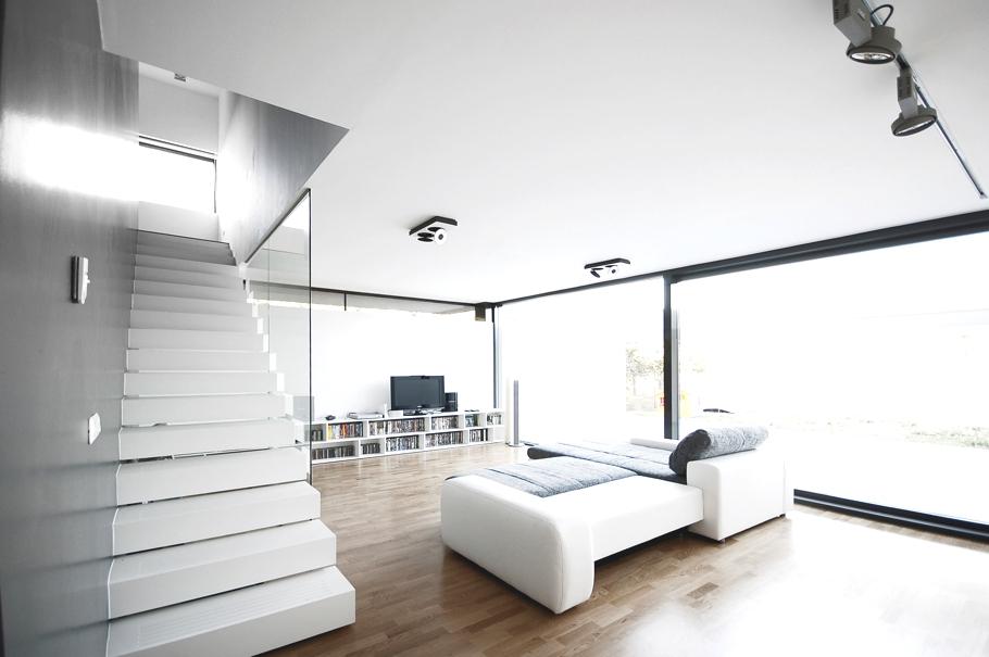 Casa minimalista in timisoara romania minimalist house for Casa minimalista living